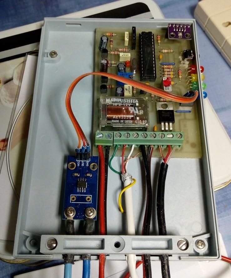 Foto 1 - il dispositivo meteo-telemetrico realizzato
